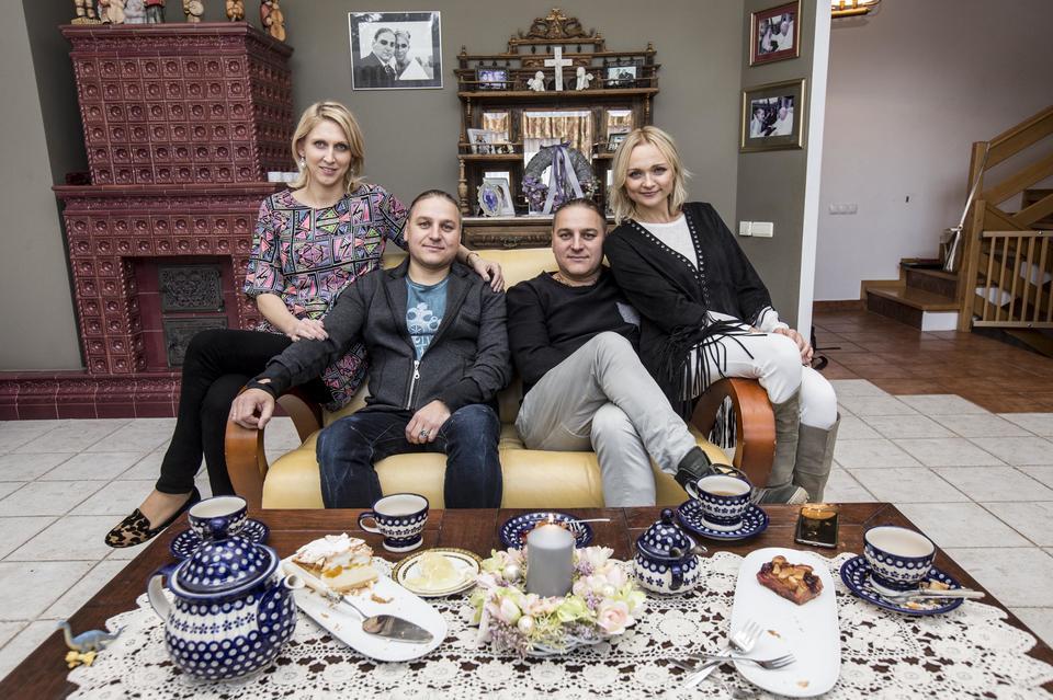 Paweł Golec Razem Z żoną Kasią I Dziećmi Mieszka W Warszawie