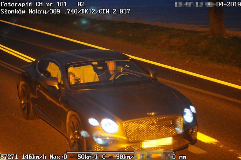 Ponad rok temu (6 kwietnia) w Słomkowie Mokrym fotoradar zarejestrował pędzącego z prędkością 146 km/h bentleya