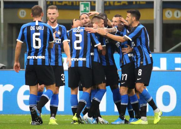 Fudbaleri Intera na utakmici protiv Lacija