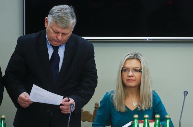 Przewodnicząca komisji, posłanka PiS Małgorzata Wassermann i wiceprzewodniczący, poseł PiS Marek Suski