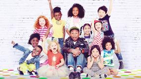 """Utwór """"Happy"""" Pharrella Williamsa w ilustrowanej książce"""