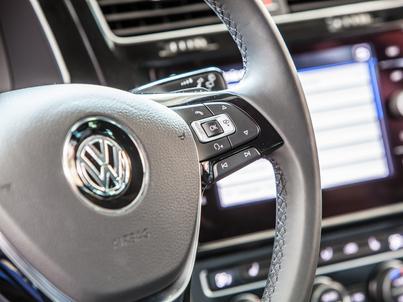 Volkswagen chce postawić na internet