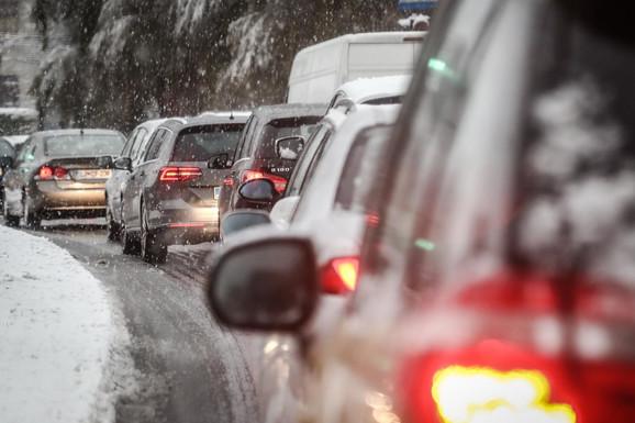 Dok je sneg u pojedinim delovima zemlje padao kao i svake godine, u drugim jedva da je bilo susnežice