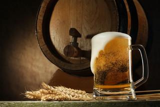Łatwiej walczyć z wiatrakami niż z reklamami alkoholu