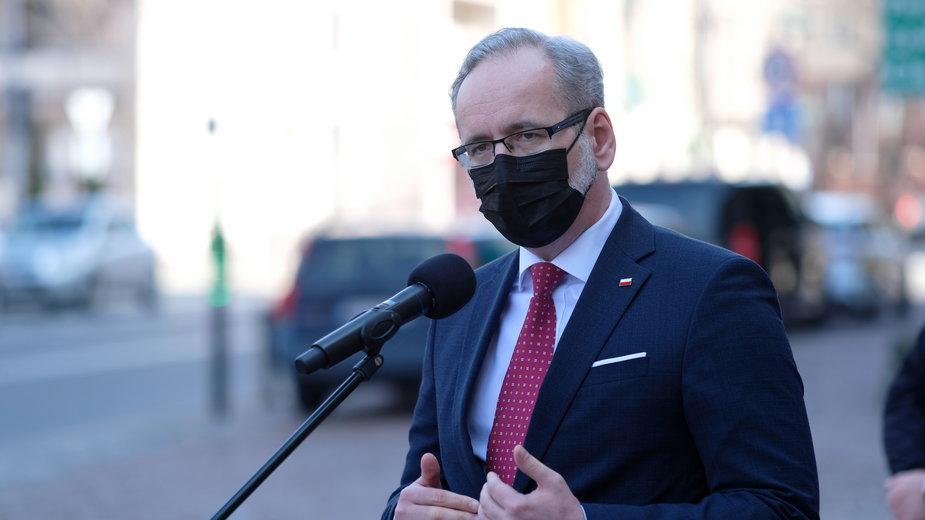 Obostrzenia w Polsce. Za tydzień znoszenie restrykcji? Zapowiedź konferencji