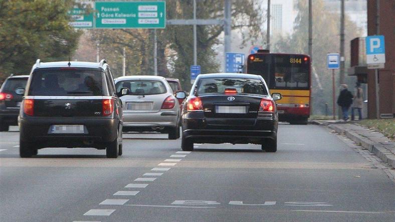 Nowy szef klubu SLD Leszek Miller od niedawna znów podróżuje służbową limuzyną z kierowcą