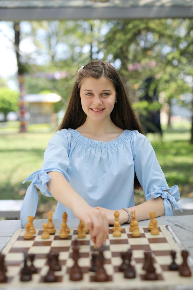 Šah voli jer na takmičenjima upoznaje dosta dece i otkriva svet