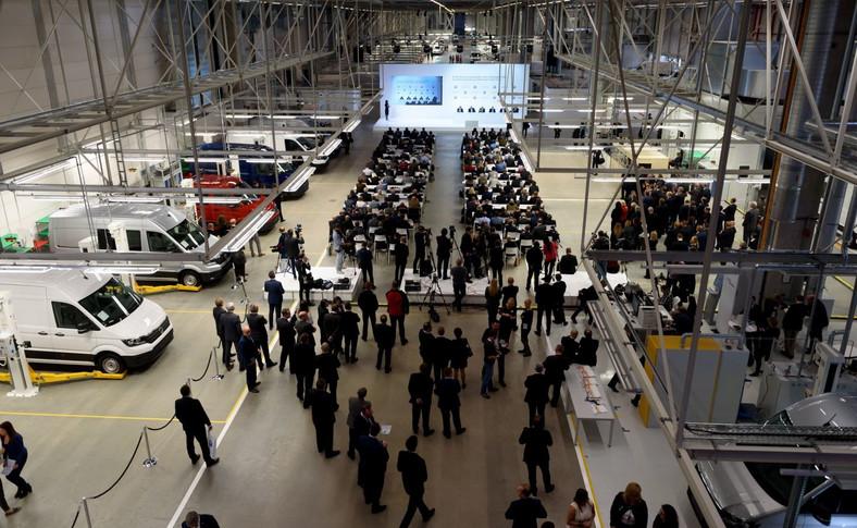 Volkswagen oficjalnie otworzył nową fabrykę samochodów w Białężycach pod Wrześnią