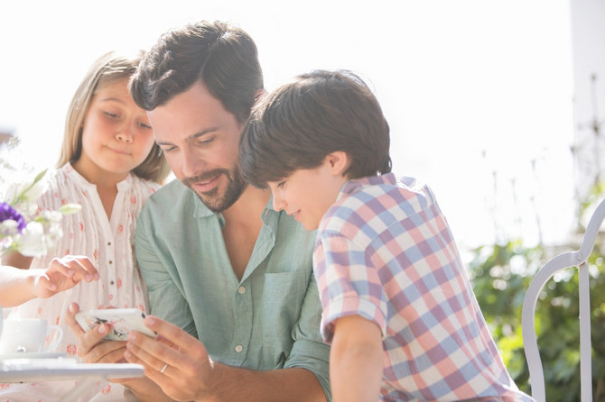 Kada je vreme da detetu date telefon?