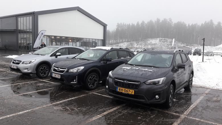 Nowe Subaru XV kontra poprzednicy: model poliftingowy (w środku) oraz model I generacji (debiut 2011 r.)