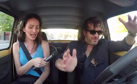 Aca Lukas je provozao novinarku u AUTU VREDNOM 200 evra, a stvari su se OTRGLE KONTROLI! Video