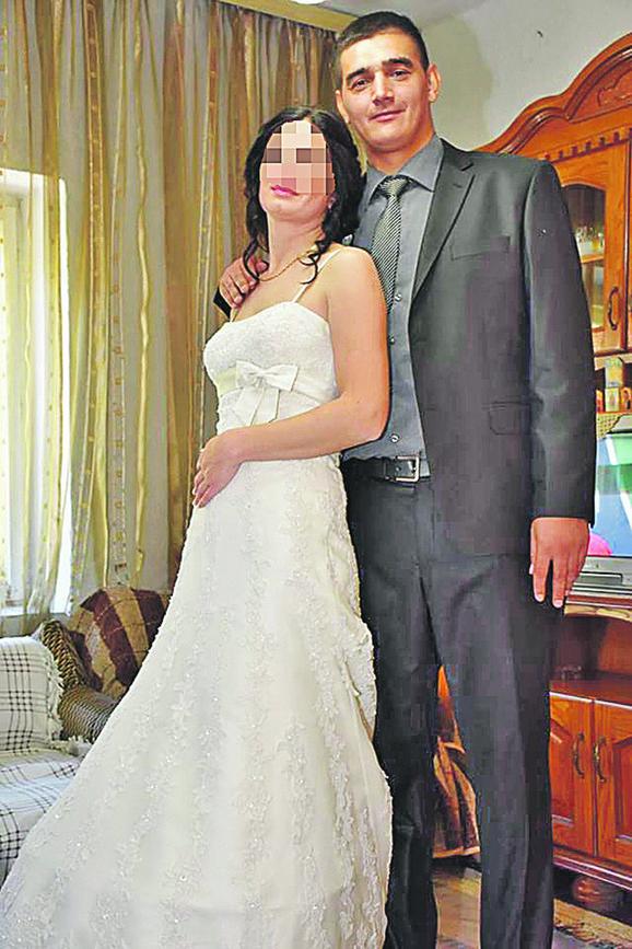 Dejan Krstičić sa suprugom Anom