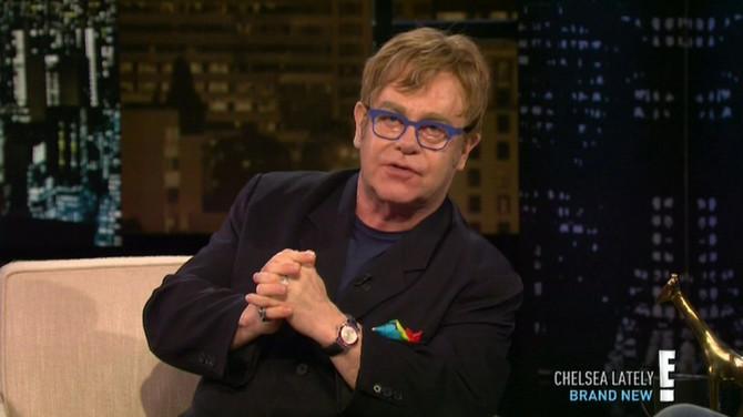 Memoari Eltona Džona digli veliku prašinu