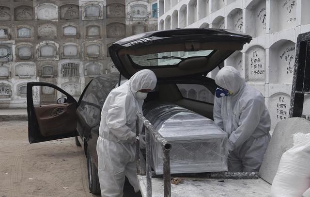 Preminuli od korona virusa se sahranjuju u limenim sanducima