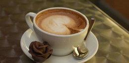 Ciśnienie ostro spada! Wypij kawę!