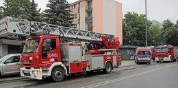 Pożar w bloku na Dąbrowie w Łodzi. Są ranni