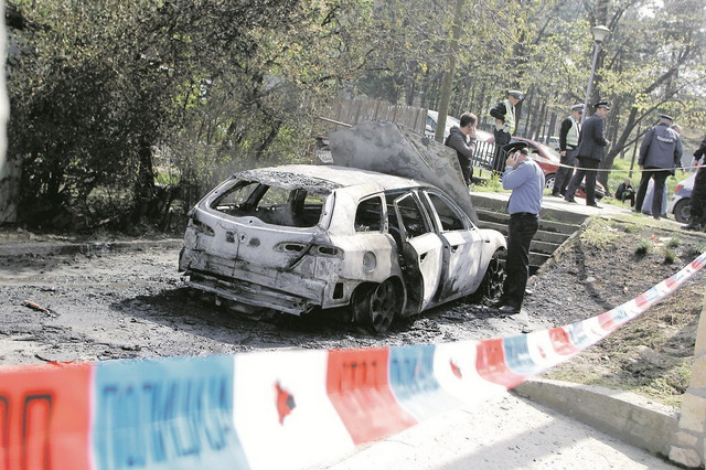 """Automobil """"alfa romeo"""" pronađen je zapaljen u naselju medaković"""