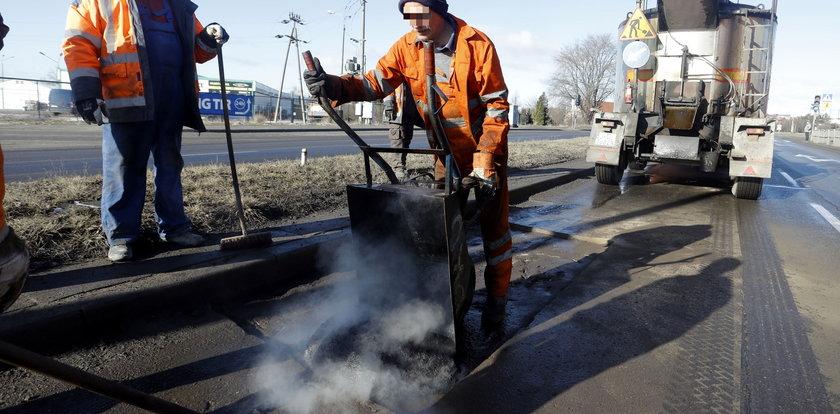 Tak Gdańsk łata dziury po zimie. Najpierw naprawy, potem remonty!