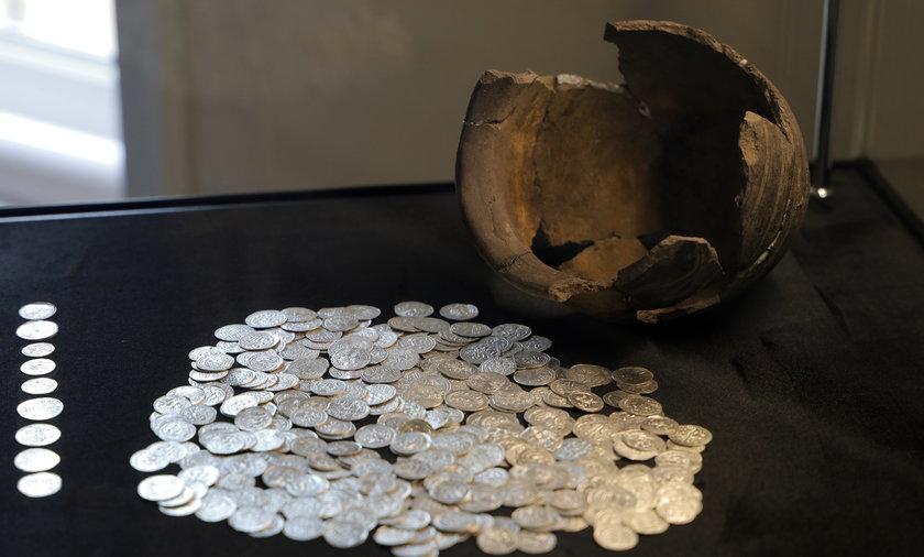 Odrestaurowana część skarbu z Trójcy-Zawichostu