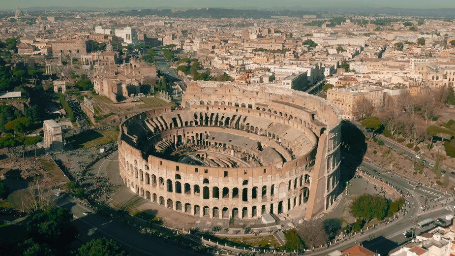 Polak latał dronem w rzymskim Koloseum