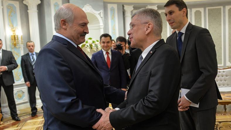 Marszałek Senatu Stanisław Karczewski (2P) i Prezydent Republiki Białoruskiej Alaksandr Łukaszenka (L)