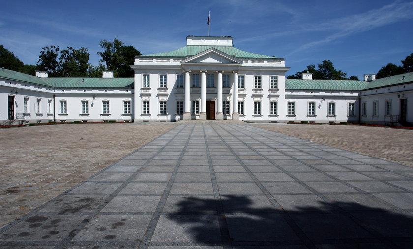 Agencja Bezpieczeństwa Wewnętrznego bada sprawę drona, którego w sobotę nad Belwederem zauważyli funkcjonariusze Biura Ochrony Rządu.