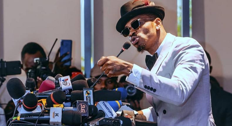 Diamond Platnumz makes peace with his former allies Bob Junior, Kifesi, Mwarabu Fighter Q Boy Msafi and Papa Misifa ahead of his Major concert