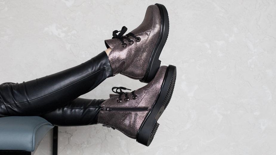 Oryginalne buty z wyprzedaży - pozwól sobie na odrobinę ekstrawagancji
