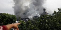 Potężny pożar w fabryce opakowań. Wielu zabitych!