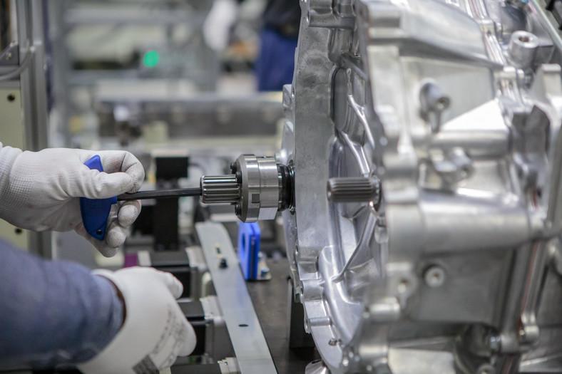 Toyota Motors Manufacturing Poland. Linia produkcyjna nowych, hybrydowych skrzyń