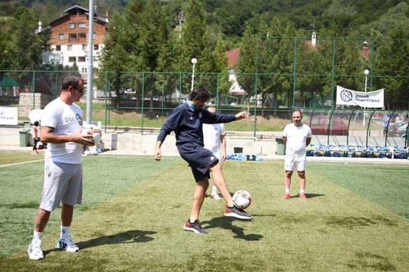 Miloš Teodosić se oprobao kao fudbaler