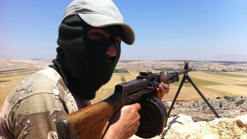 Powstańcy zdradzają plany reżimu