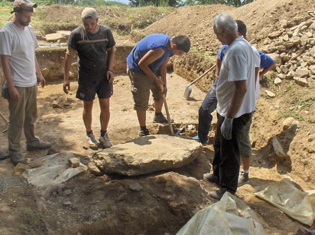 Kao da ga je pečat neko bacio u poslednjem trenutku: Arheolozi na iskopini