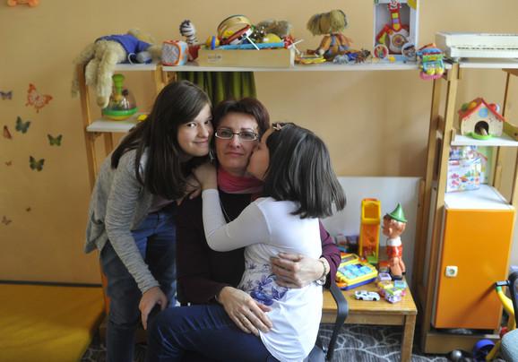 Ispala mi je šerpa iz ruke i tresnula o pod, a Olja uopšte nije reagovala, kaže majka Marija Trpković