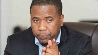 Licenciements à la SenTv : Bougane sous le feu des critiques !