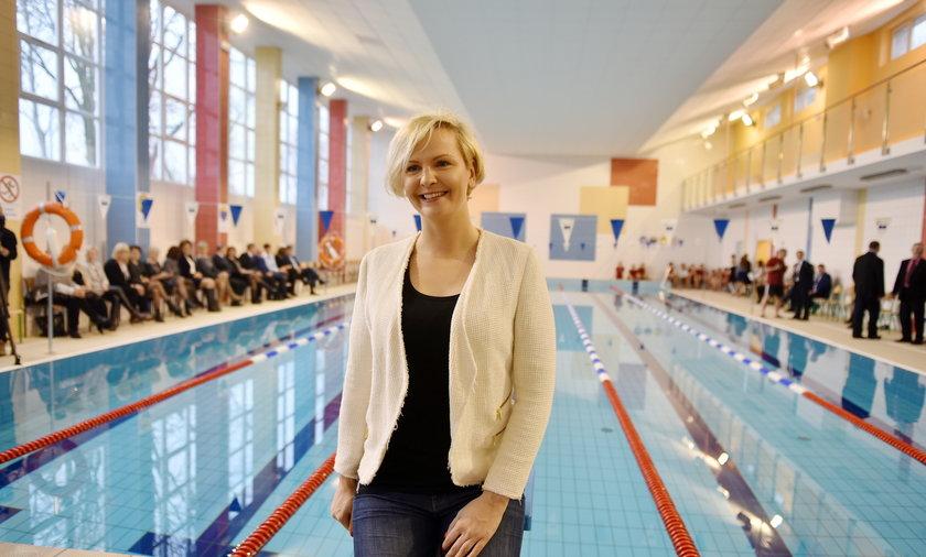 Otylia Jędrzejczak na basenie w Łodzi