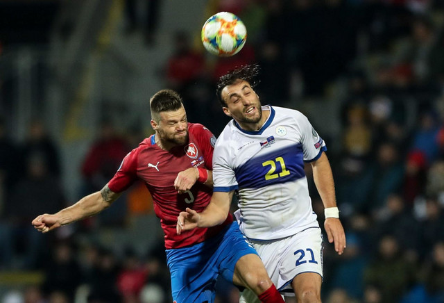 Fudbalska reprezentacija tzv. Kosova, Fudbalska reprezentacija Češke