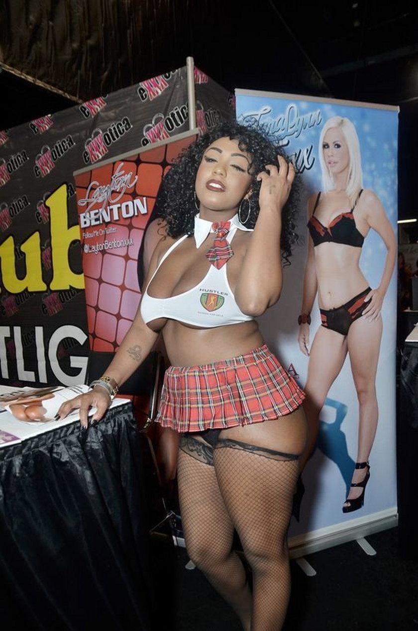 Gwiazdy porno podczas erotycznych targów w USA