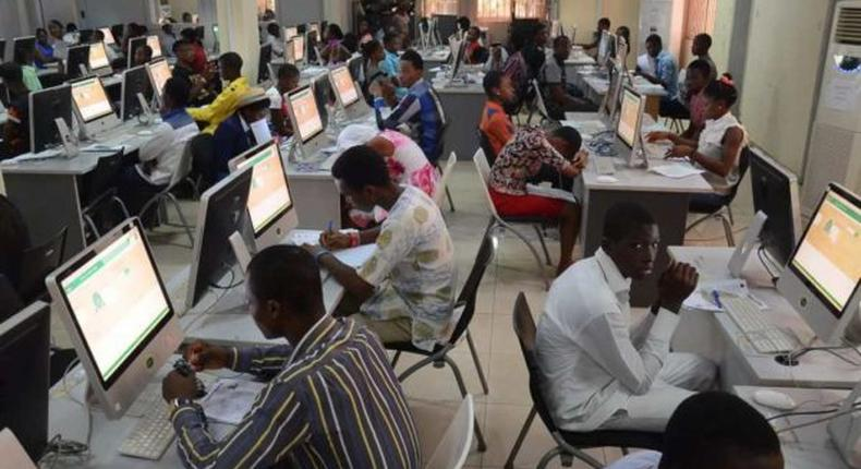 Nigeria's active internet subscribers increase to 154.3m in 2020. [thenicheng]