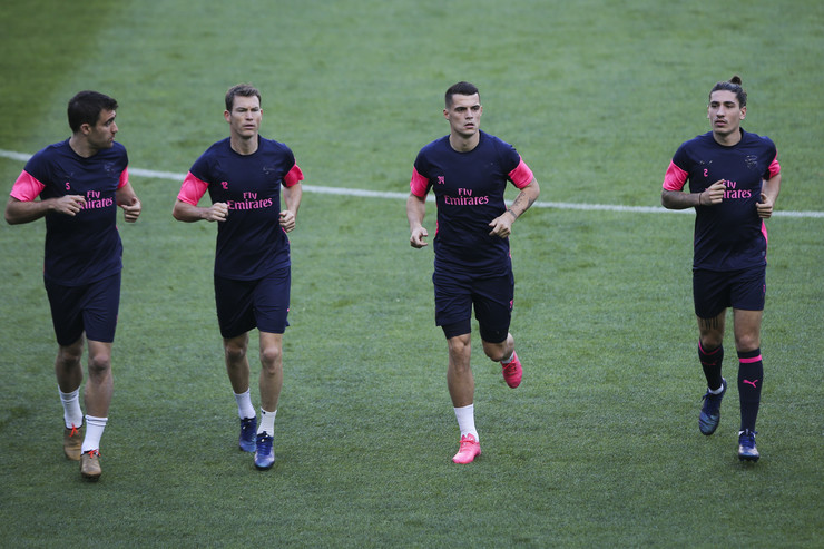 Sokratis, Džaka i Beljerin na treningu Arsenala