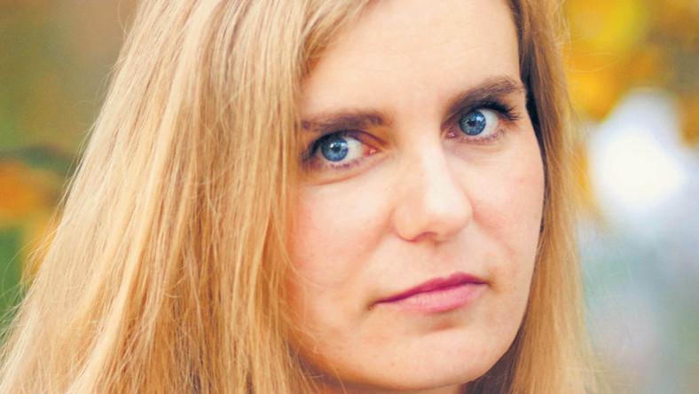 doktor filozofii, publicystka karolina.lewestam@infor.pl