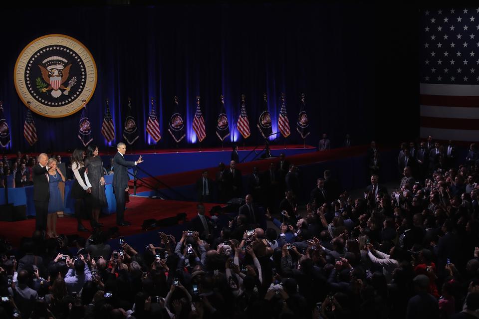 W emocjonalnym przemówieniu wygłoszonym w audytorium w McCormick Place do ok. 20 tys. słuchaczy,Obamaprzyznał, że przed USA stoją wciąż liczne problemy.