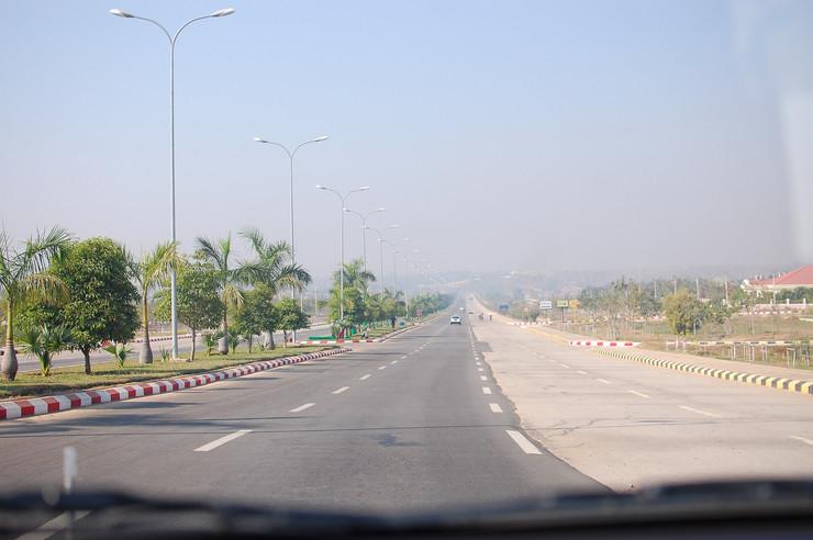 Naypyidaw02 foto Flickr lirneasia