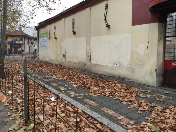 Zgrada u Bulevaru kralja Aleksandra i dalje prazna