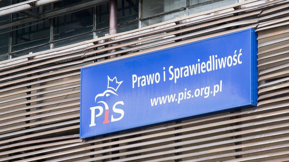 Warszawa ul. Nowogrodzka. Siedziba Prawa i Sprawiedliwości