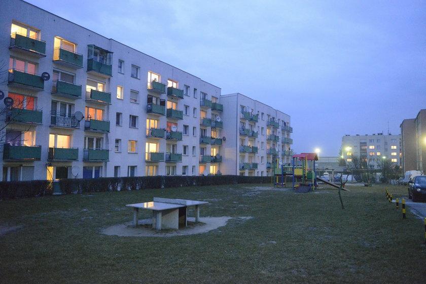 Blok na os. XXX-lecia w Krapkowicach