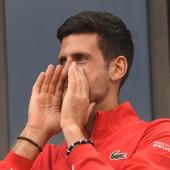 """""""Ranije ste rekli da ste Federer?"""" """"Da, ali ZA TITULU moram da budem kao... NOVAK!"""" On NIKAD NE BIRA REČI, ovaj kompliment Ronija O'Salivena vredi DUPLO!"""