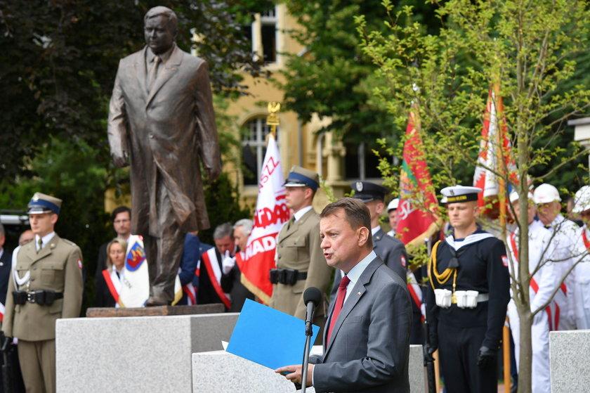 Pomnik Lecha Kaczyńskiego odsłonięty