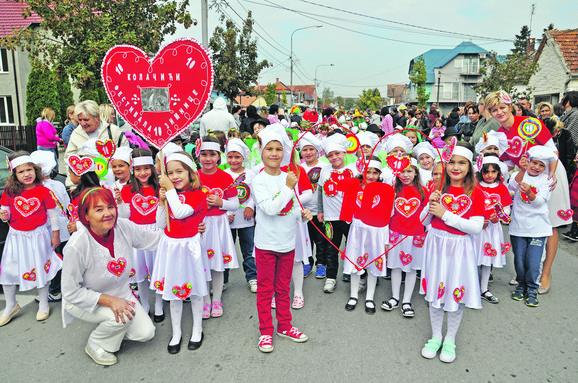 Karneval: Deca iz predškolske ustanove prošetala centrom Koceljeve