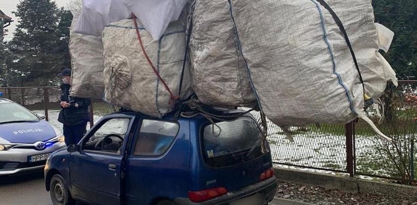 Co za on tam wiózł?! Seicento z bagażem dwa razy większym od samego auta